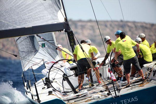 Otra Vez 2 sail reaching